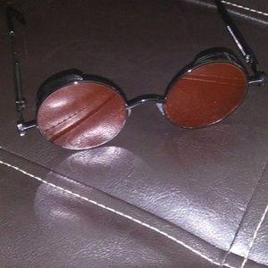 Accessories - 🆕 Red & Black metal Steampunk sunglasses round